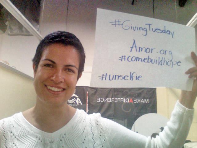 #unselfie go viral #GivingTuesday
